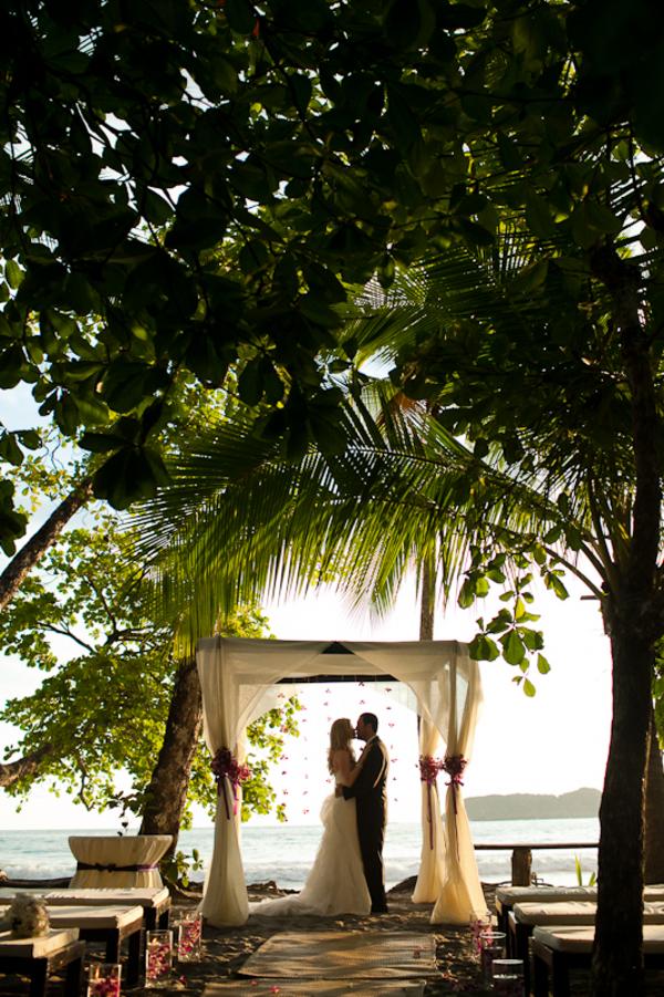 Three punto de vista weddings featured on blogs for Weddings in costa rica
