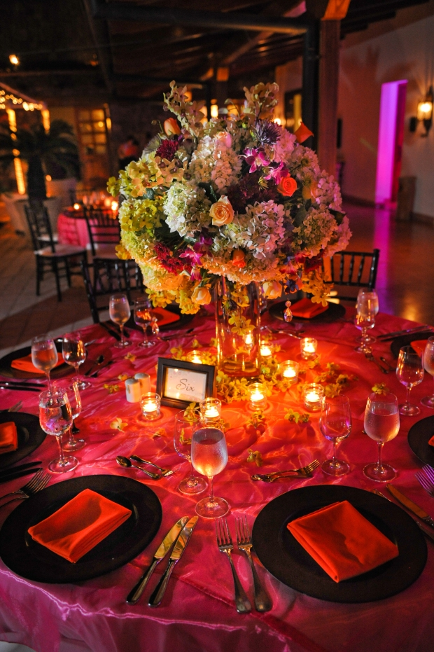 fuschia elegant table arrangement