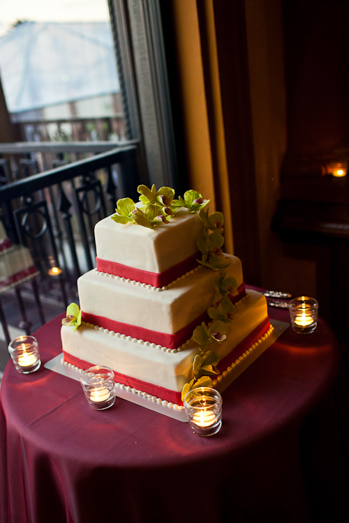 burgundy green wedding cake