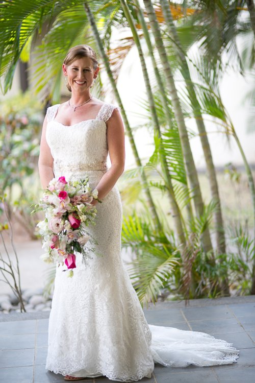 bride, rose bouquet, bride with rose bouquet, tropical wedding, destination wedding, Hacienda Pinilla Beach Resort, las palapas, weddings costa rica