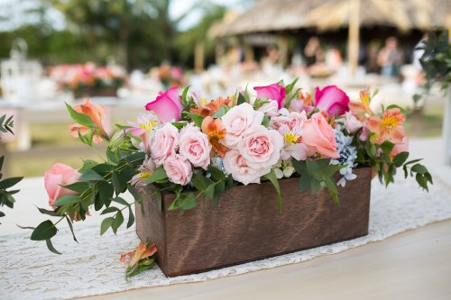flower arrangement, roses and tropical flowers, tropical flower arrangemt, Hacienda Pinilla Beach Resort, las palapas, weddings costa rica