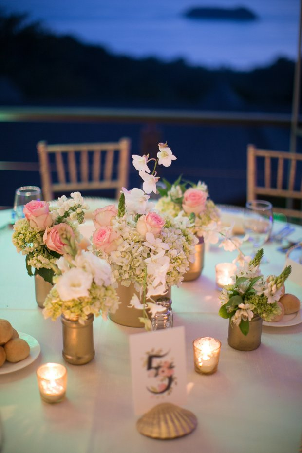 gold and rose theme table decor, roses and hydrangeas, table number, discovery beach house manuel antonio, weddings costa rica