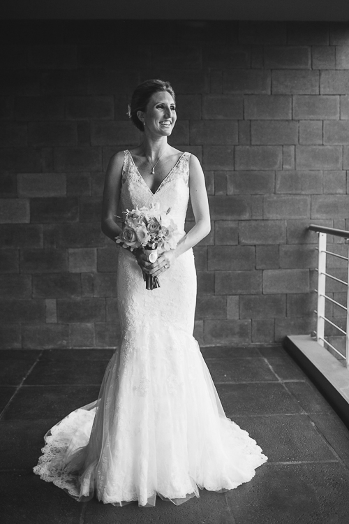 bride with bouquet, wedding dress, los altos resort wedding, weddings costa rica