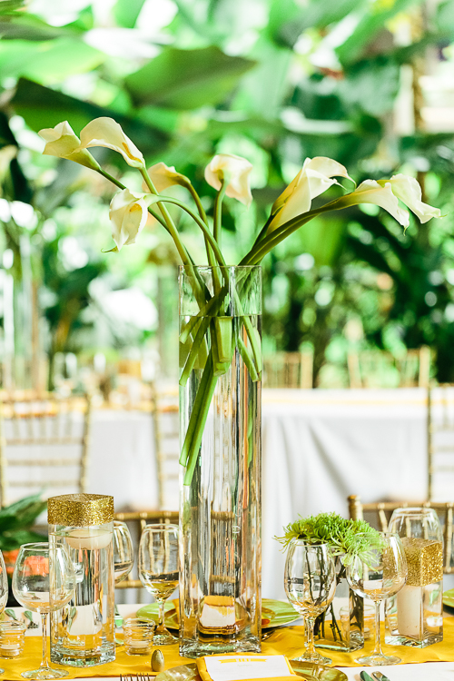 calla lilies, floral arrangement, gold table arrangement, tropical wedding, los altos resort wedding, weddings costa rica