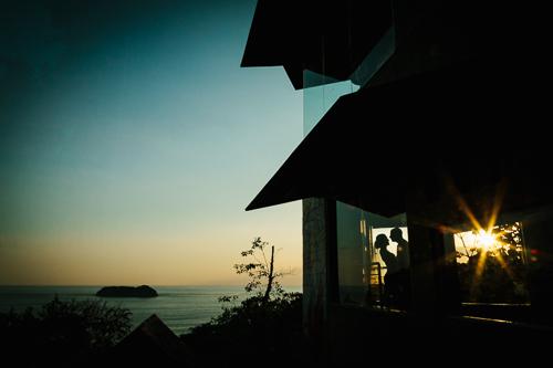 bride and groom sunset, ocean view wedding, sunset wedding, punto de vista costa rica wedding, weddings costa rica