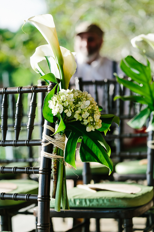 calla lily and white lilac, wedding aisle flowers, wedding flowers, chair back flowers, punto de vista costa rica wedding, weddings costa rica