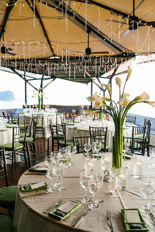 wedding reception, green and tan table setting, calla lily arrangement, wedding table, punto de vista costa rica wedding, weddings costa rica