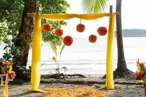 beach wedding, wedding site, wedding altar, tropical wedding, punto de vista costa rica wedding, weddings costa rica