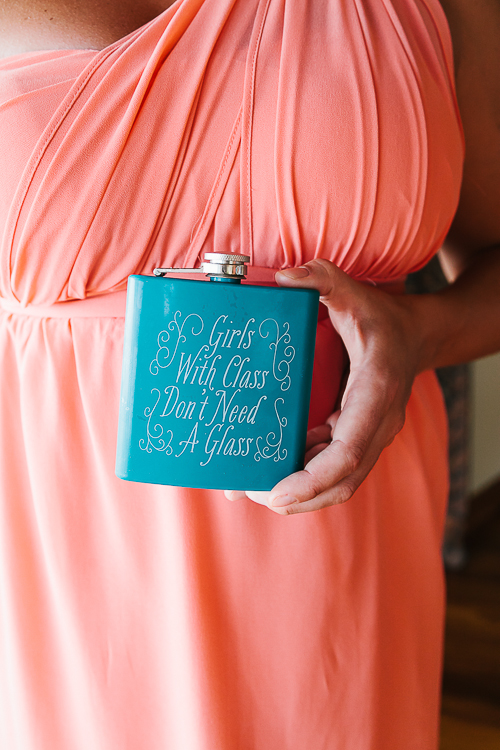 girl flask, bridal flask, wedding accessories, wedding flask, punto de vista costa rica wedding, weddings costa rica