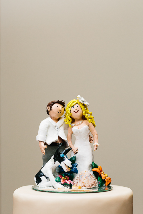 wedding cake figurines, wedding cake custom toppers, wedding cake personalized figurines, punto de vista costa rica wedding, weddings costa rica
