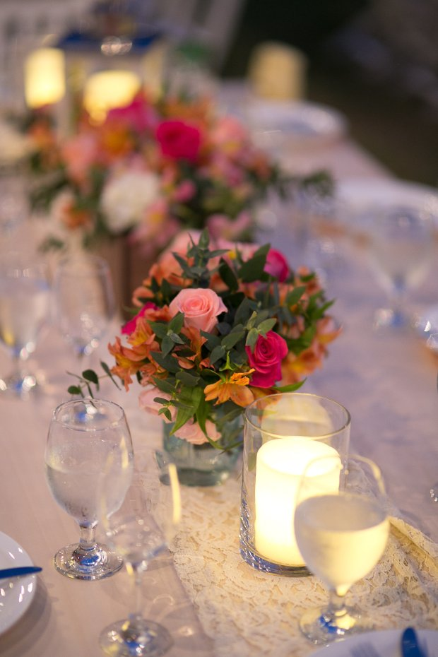 wedding ceremony, table arrangement, rose flower arrangement, romantic table arrangement, Hacienda Pinilla Beach Resort, las palapas, weddings costa rica