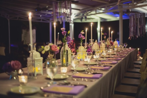 wedding reception, purple table decor, purple theme wedding, vintage wedding, table decor lanterns, tulemar, weddings costa rica