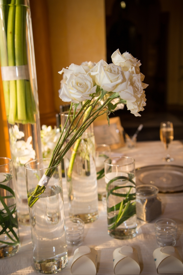 White Roses, zephyr palace, classic wedding, weddings costa rica, destination wedding