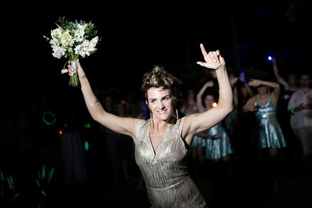 bride, bouquet toss, wedding reception