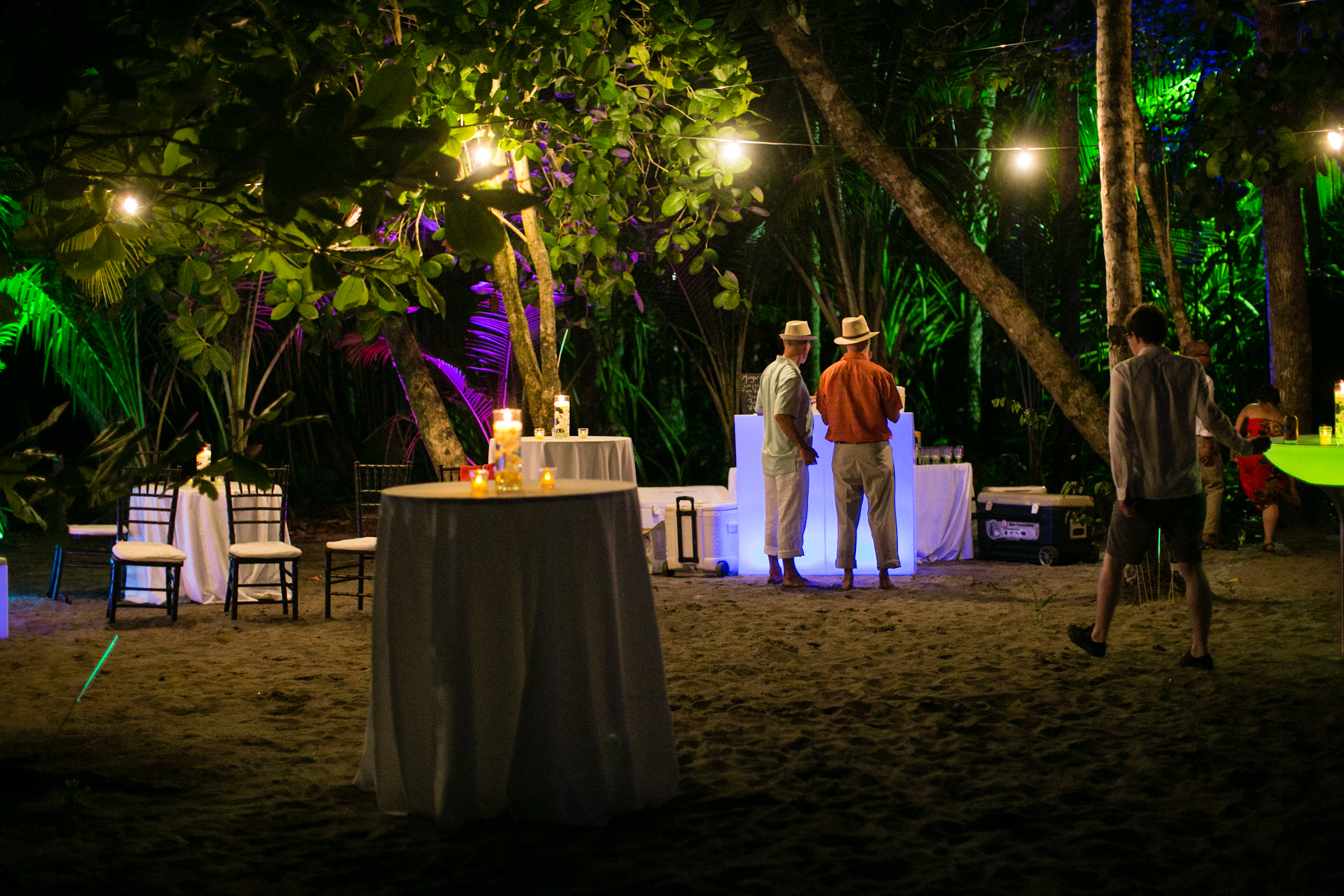 Glow Furniture Real Wedding Jacqui Peter Discovery House Manuel Antonio