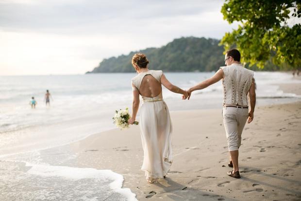 wedding couple, wedding beach walk, beach wedding, costa rica wedding