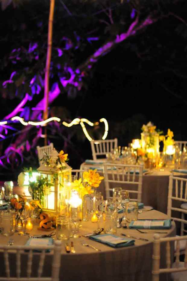Casas de Las Brisas, wedding reception, table decor lanterns, orchids and lantern arrangement, weddings costa rica