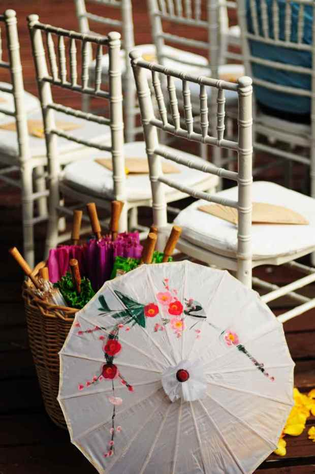 Casas de Las Brisas, wedding umbrella, japanese style umbrella, wedding site, tropical wedding, weddings costa rica