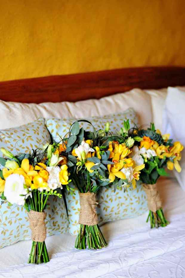 yellow orchid bouquet, brides maids bouquet, wedding bouquet, weddings costa rica, Casas de Las Brisas