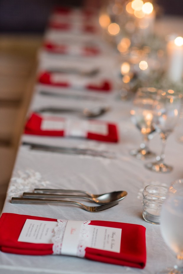 white and red table decor, red napkins, wedding menu, weddings costa rica