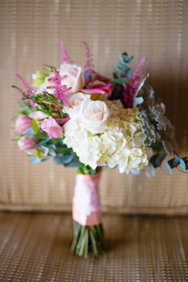 bridal bouquet, bouquet of roses and tropical flowers, white and purple bouquet, weddings costa rica