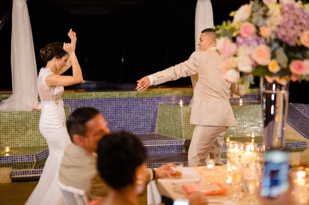 bride and groom dancing, bride and groom swinging, punto de vista, weddings costa rica