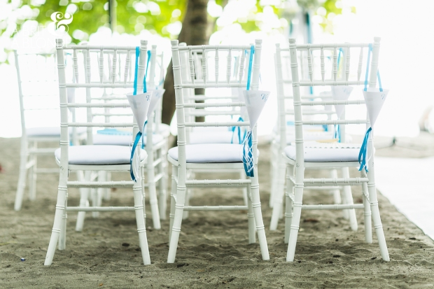 blue and white chair arrangment, beach wedding, beach wedding seating, tropical wedding, weddings costa rica