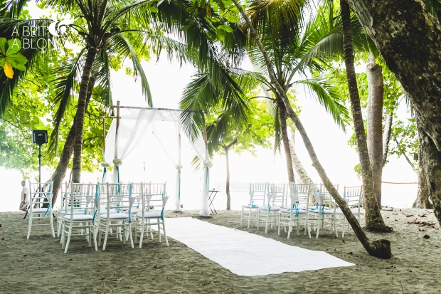 ceremon site, beach wedding site, beach altar, wedding under palm trees, weddings costa rica