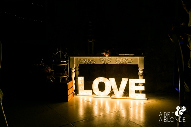 love art, illuminated love sign, love sign, love lights