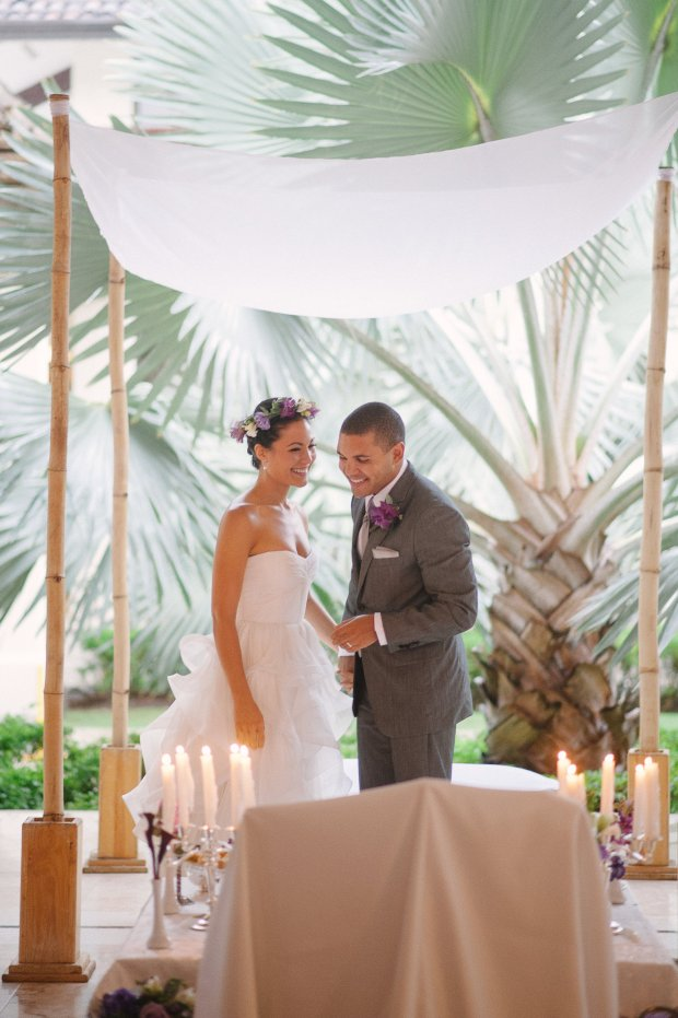 wedding altar, tropical wedding, bride and groom under palmtrees, wedding ceremony, weddings costa rica