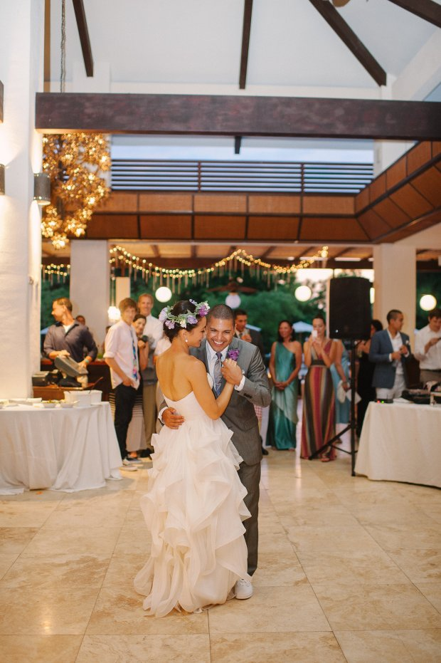 wedding dance, bride and groom dancing, wedding reception, dancing at wedding, weddings costa rica