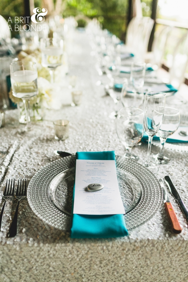 white and aquamarine table decor, wedding reception decor, weddings costa rica